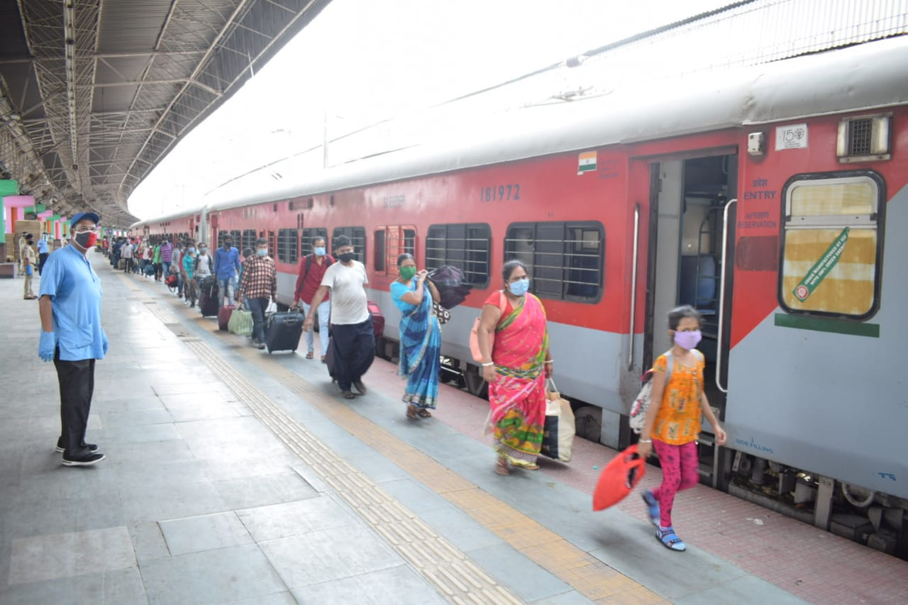 Special Train Services To Start on 1st June, 1.45 Lakh Passengers ...